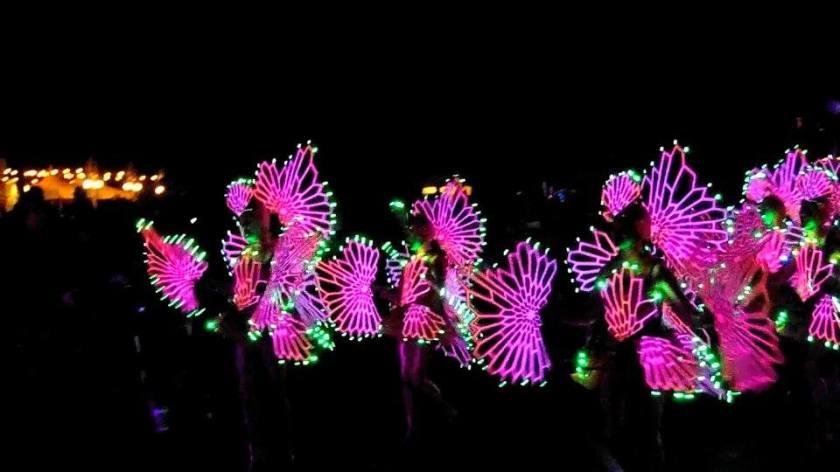 disneyland paint the night ariel dancers